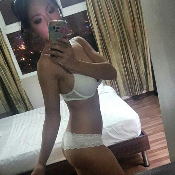 Singapore happy massage from hot BELLA (22 y.o.)