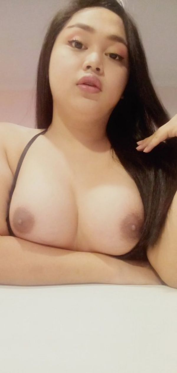 Erotic massage in Singapore from Pinay Ladyboy. Price: SGD 300 per hour