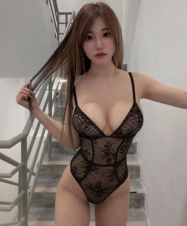 Cindy for adult massage in Singapore from SGD 300