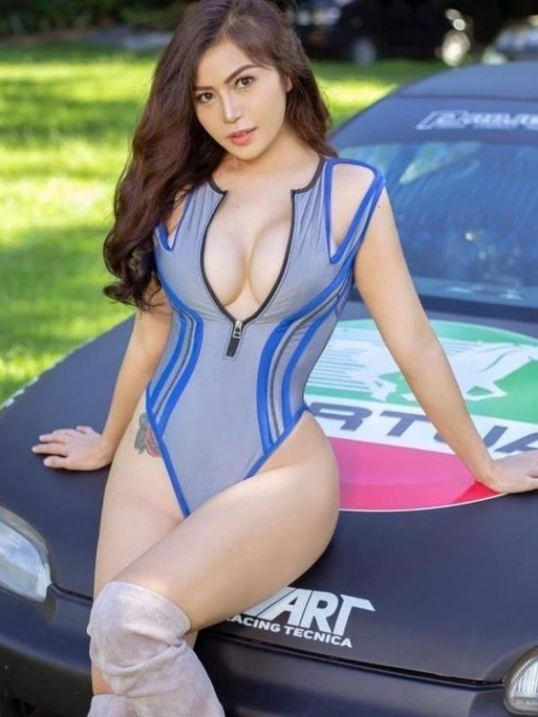 One of the hottest babes and escorts on SexoSg.com - Samantha, 24 years old